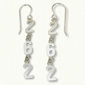 Marathon earrings 26.2